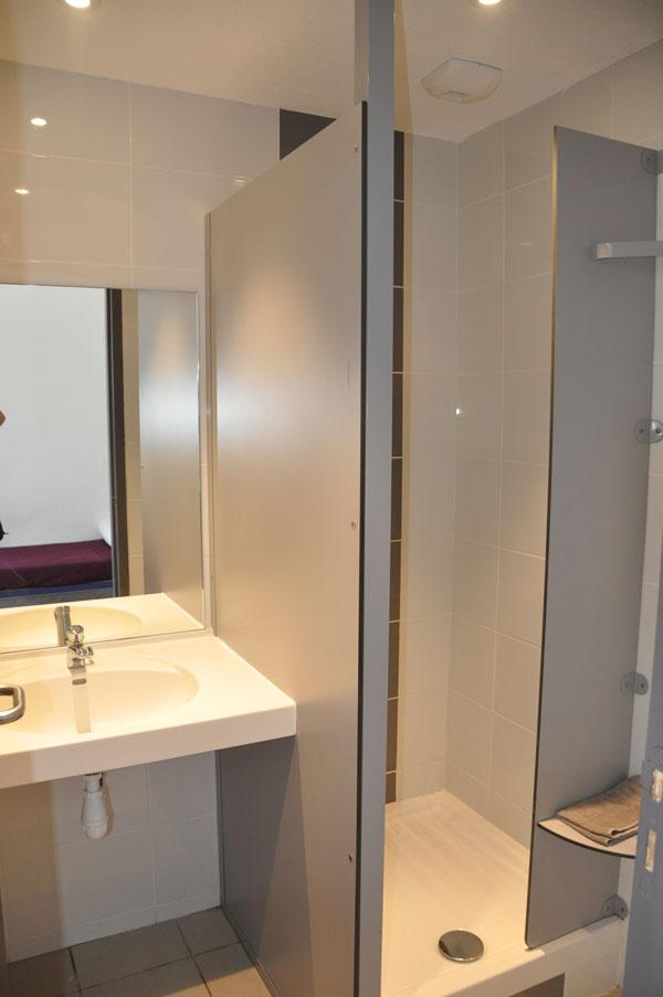 les chambres le taurus. Black Bedroom Furniture Sets. Home Design Ideas